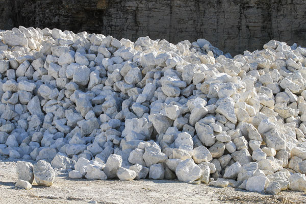 Large chunks of white-gray rock.